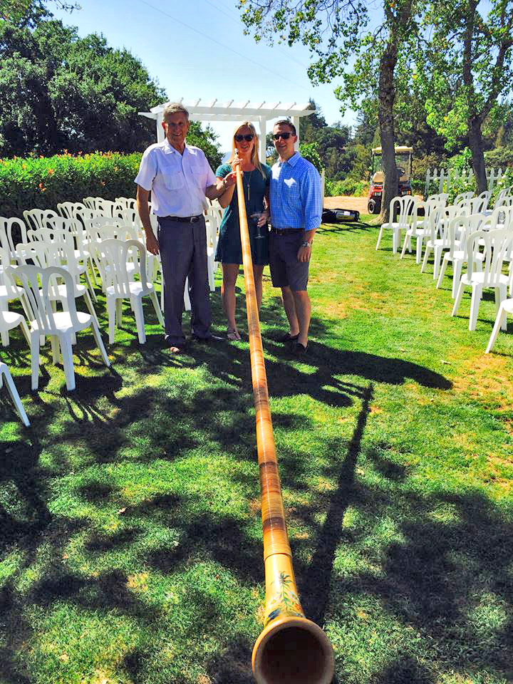 Married couple with Alphorn